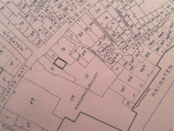Rodekart 1888. Rode 18, utsnitt. Tomt 10 er ganske stor og «forstanderboligen» er tegnet inn. Eiendommen ser ganske stor ut, så det kan ha vært en stor hage eller utmark, eller kanskje det har stått flere bygninger på eiendommen.