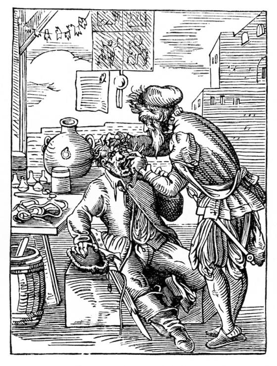 Middelaldersk bartskjær som utfører behandling (fritt)