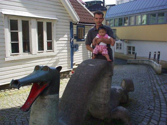 Sjøorm i Marken i Bergen 2002 (Foto: May Lis Ruus)