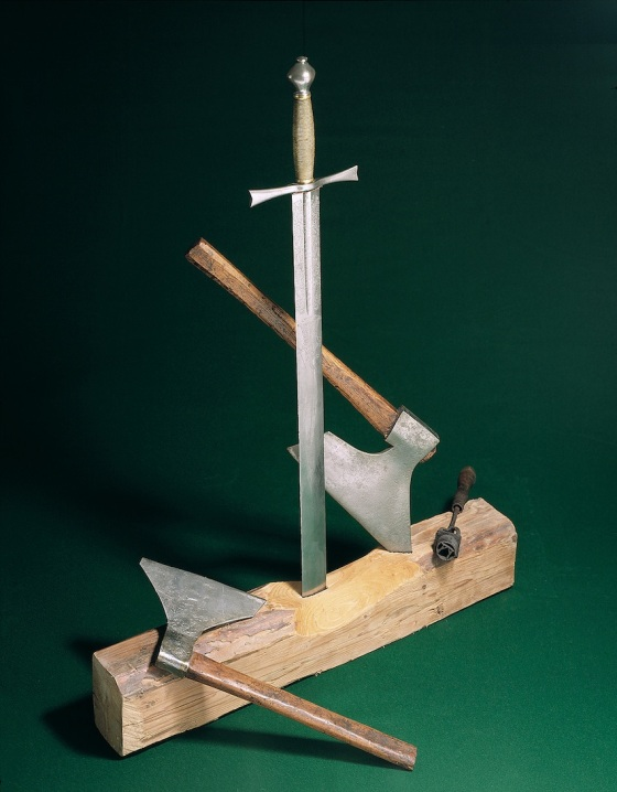 Skarpretterutstyr (Arkivverket. Fotograf Rune Aakvik / Oslo Museum)