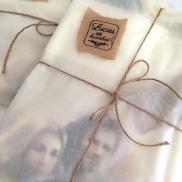 Kommer innpakket i silkepapir