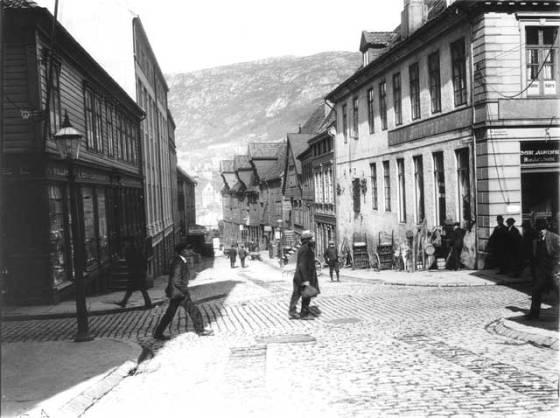 Audunsgården (senere Smørsgården) tidlig 1900-tallet. (Foto: Ralph L. Wilson/UBB -WIL-A-003)