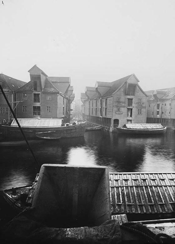 Lille Altonagården før 1901.  (Foto: Ukjent. UBB-BROS-03693)