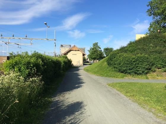 På vei ned mot Skansen stasjon hvor nattmannens hus opprinnelig sto. (Foto: May Lis Ruus)