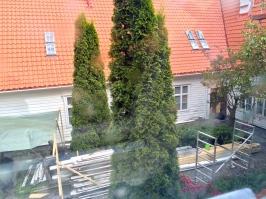 Utsikt til borggården (under oppussing)